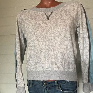 Chelsea and Violet Cropped Sweater Size M